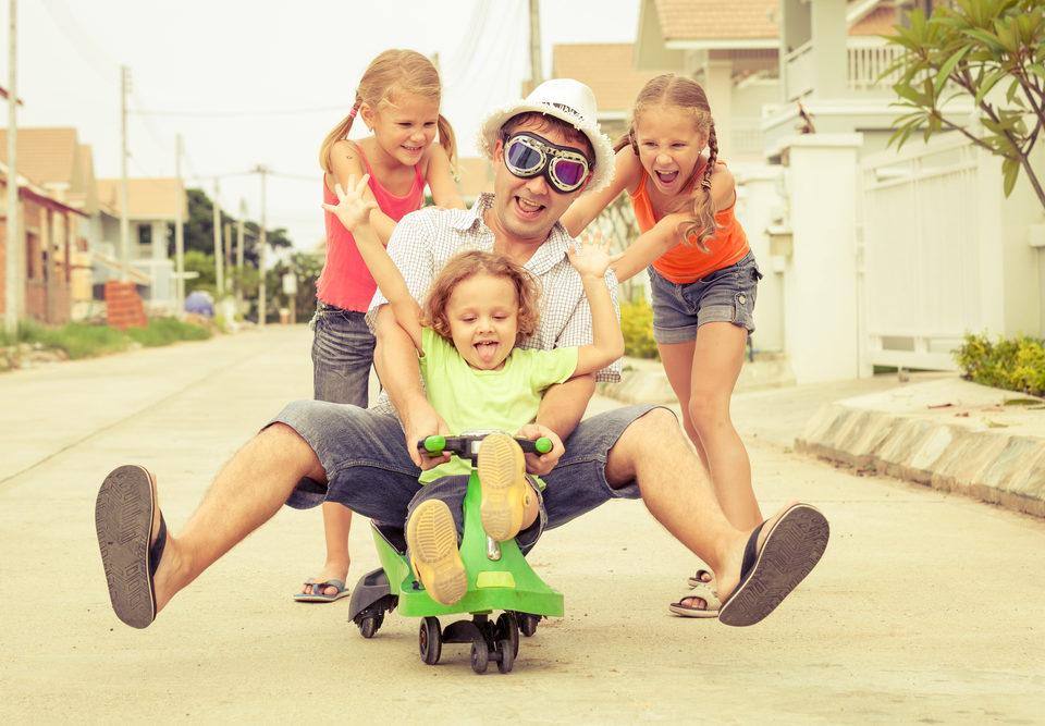 5 benefícios no ato de brincar com seu filho